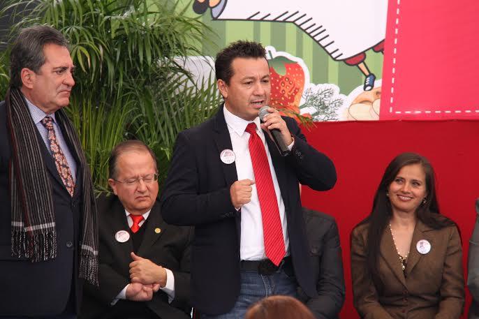 Alberto Viveros podría ser mancuerna de Lorena Martínez en 2016