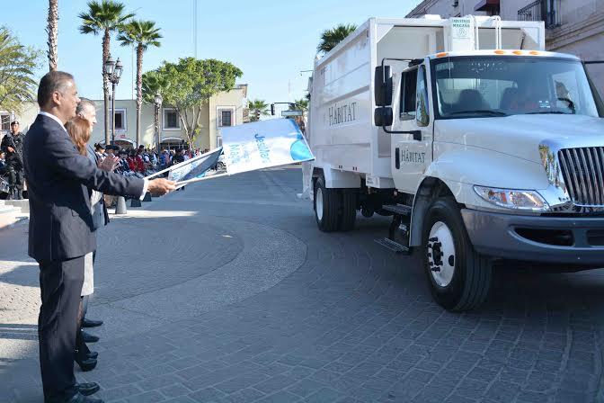 Estrena @Jesus_Maria_ otro camión recolector de basura
