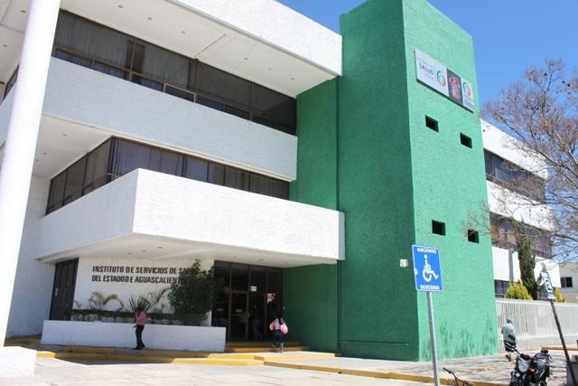 Detecta @SaludAgs a funeraria vertiendo desechos al drenaje