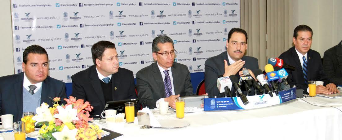 Presenta alcalde programa de obra pública 2015 para @MunicipioAgs