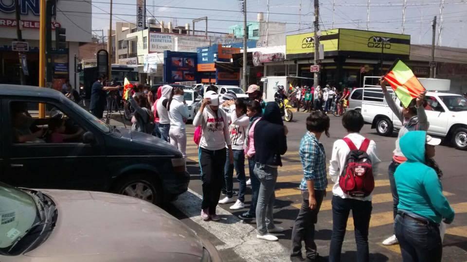 Quieren normalistas ingreso sin examen, que las atiendas en sus estados @CarlosLozanoAgs