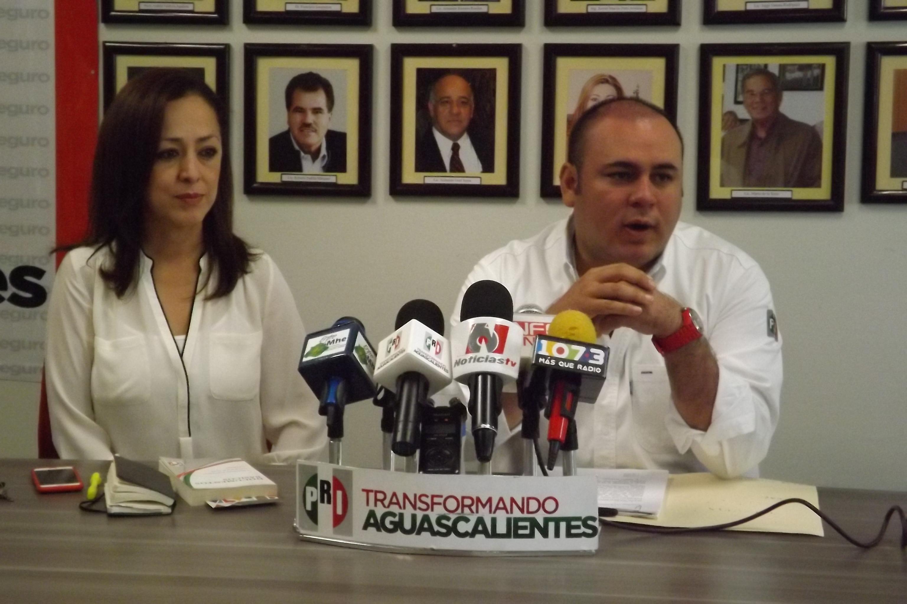 Desenmascara @PRIAguas guerra sucia panista