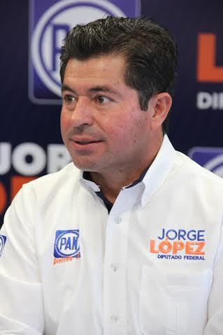Comienza @JorgeLopez_M batalla legal contra impuesto a alimentos procesados