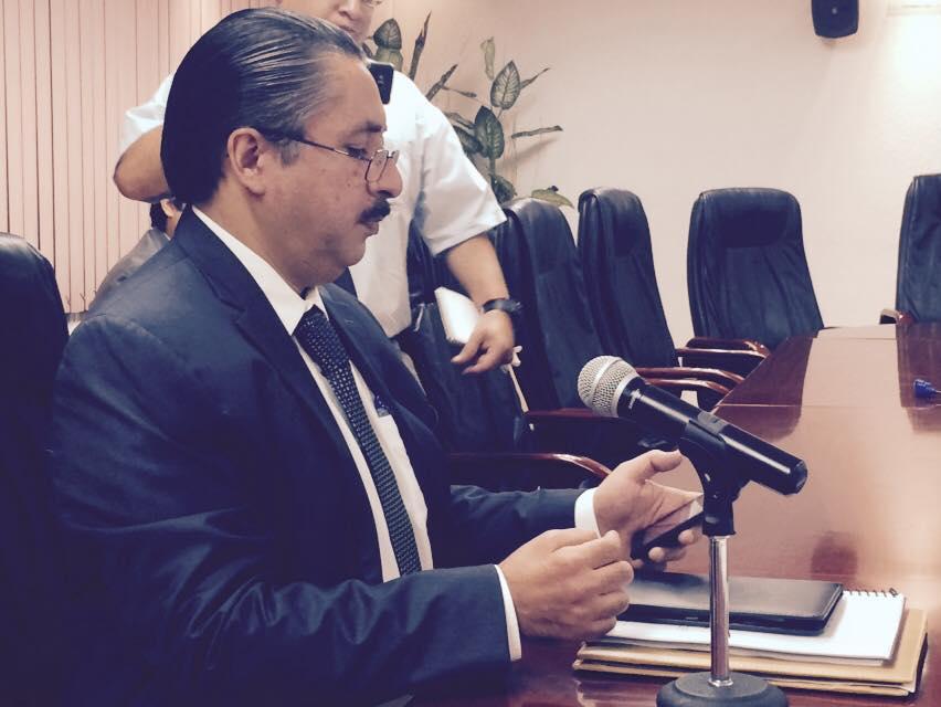 Va Mendívil por evaluación en la Fiscalía General