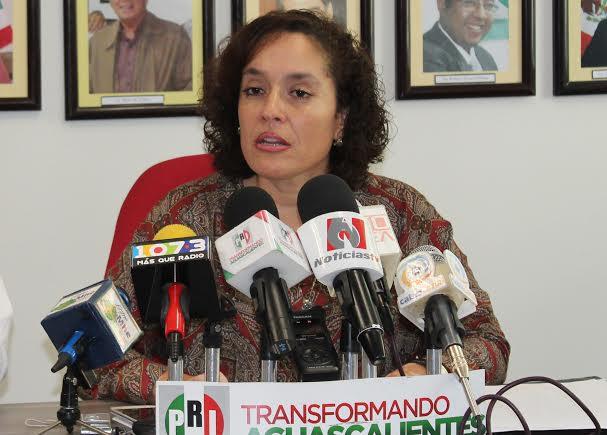 Truena La China contra el PRI, «no cuates ni cuotas para el 2016»