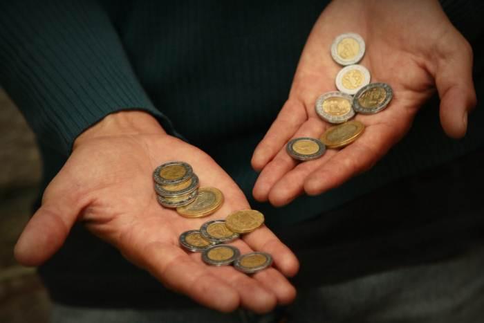 Pide CROM aumento salarial emergente