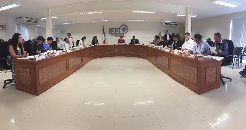 Castorena: En el IEE se trabaja poco y se gana mucho