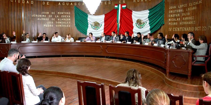 Piden cabeza de Anaya y jalón de orejas para el tesorero del @MunicipioAgs