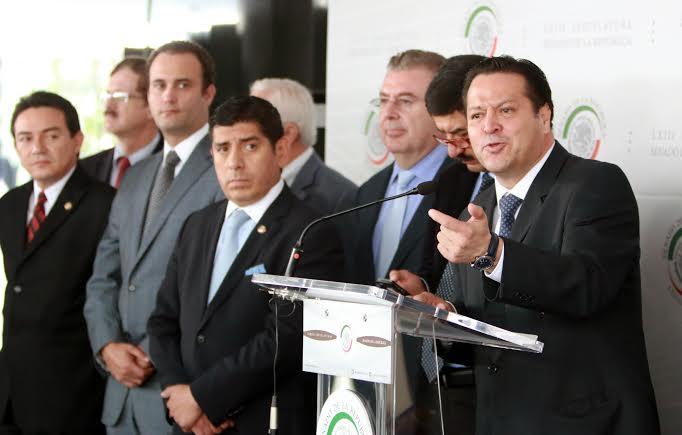 Propone @FHerreraAvila prohibir las deudas públicas y castigos más severos para quien lo haga