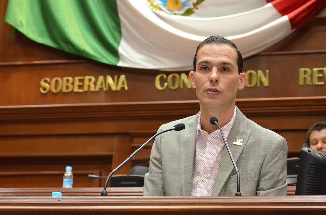 @rdzoswaldo a favor de la iniciativa en materia de salud que propone @GobAgs