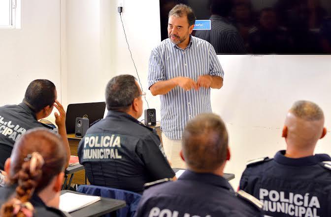 Capacitan a policías del @MunicipioAgs sobre el nuevo sistema de Justicia Penal