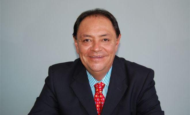 El impresentable general Hidalgo/Vale al Paraíso