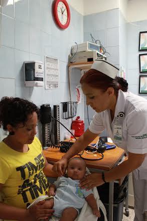 ISSEA visita escuelas para difundir medidas preventivas y atender casos de varicela