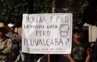 Protestan contra Nora Ruvalcaba durante evento de AMLO