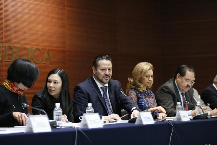 Buscan senadores del GPPAN firmas para iniciativa 3de3: @FHerreraAvila