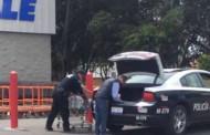 """Cachan a Eddy de """"mandilón"""" en una patrulla, el General anuncia su salida de Querétaro"""