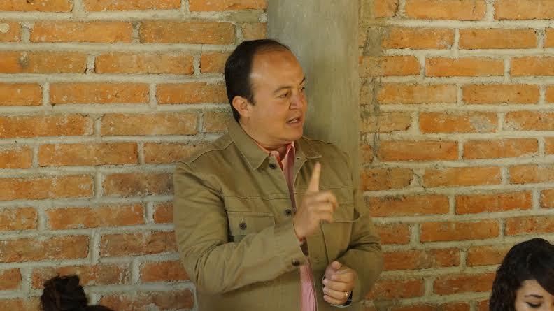 Propone Felipe González Policía Comunitaria