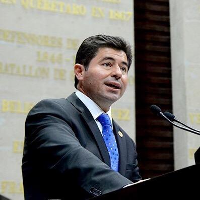 Jorge López también tiene carta de su «amigos»