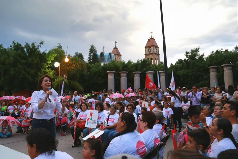 Lorena Martínez no miente, responden al PAN