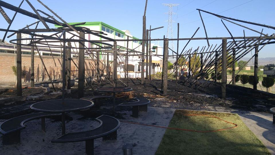 Incendian otra PALAPA al priista Gregorio Zamarripa