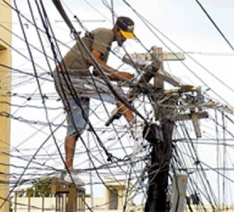 Pierde CFE 80 mdp en la entidad por robo de energía