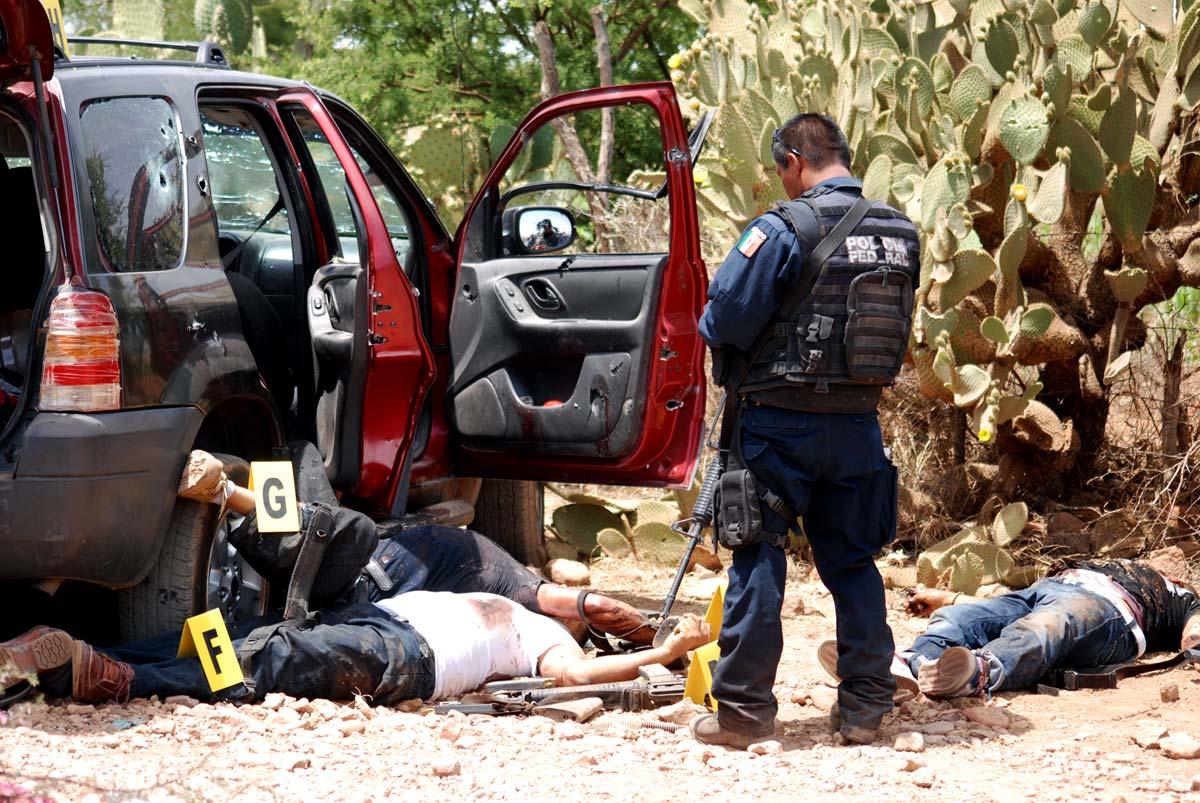 Zacatecanos y jaliscienses huyen del narco y crimen organizado