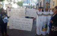 Sale Obispo en defensa del padre Noé