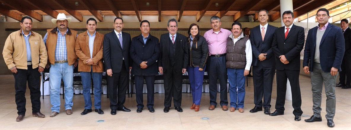 Carlos Lozano visitó más Japón que algunos de los municipios