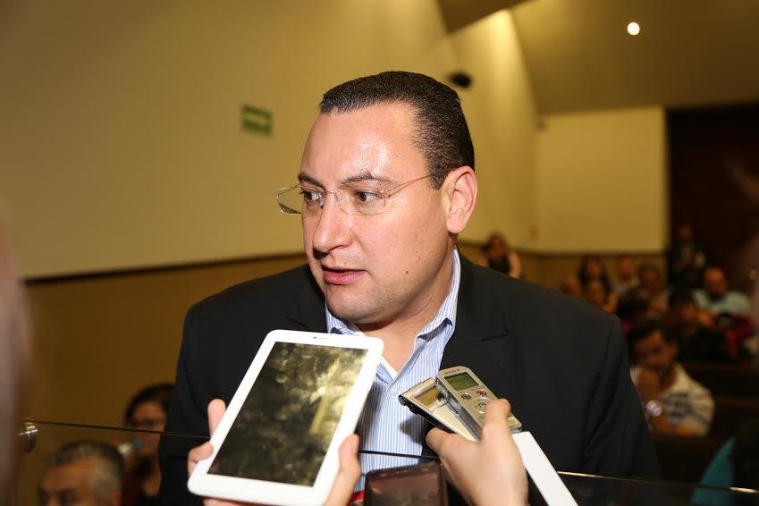 Martínez: El PRI quiere ganar con triquiñuelas lo que no gana con el voto
