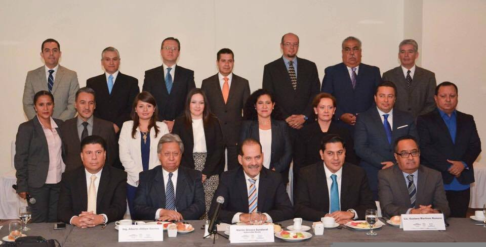 Presenta Gobernador Electo gabinete central con advertencia