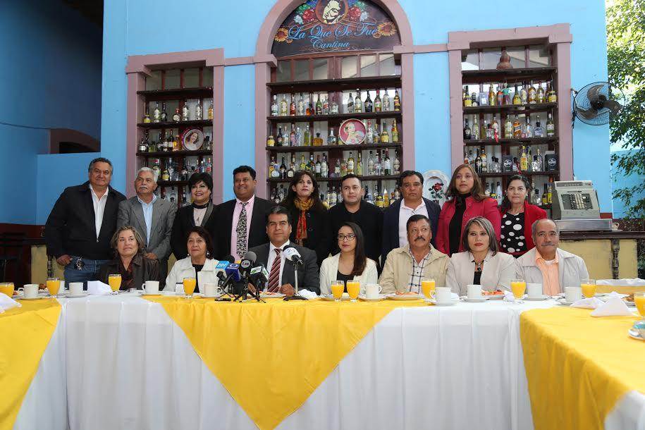 Presenta @pabtemo al cabildo que le acompañará en Pabellón de Arteaga