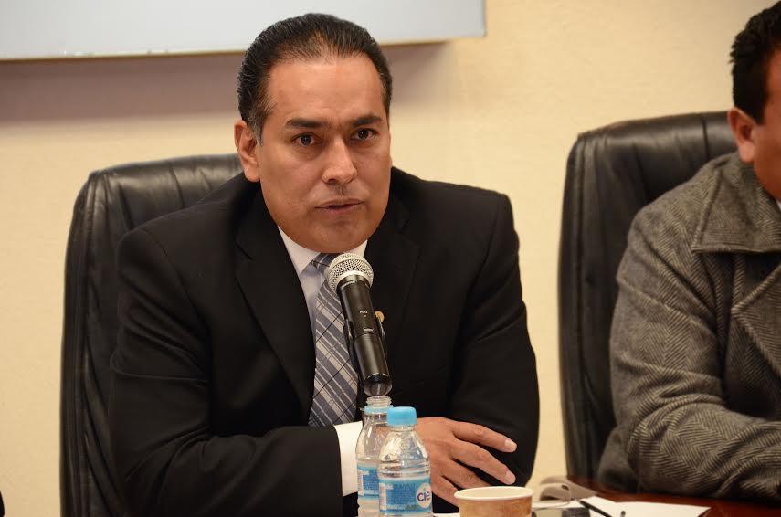 Pide @galaniz68 cancelar plazas irregulares en IEA