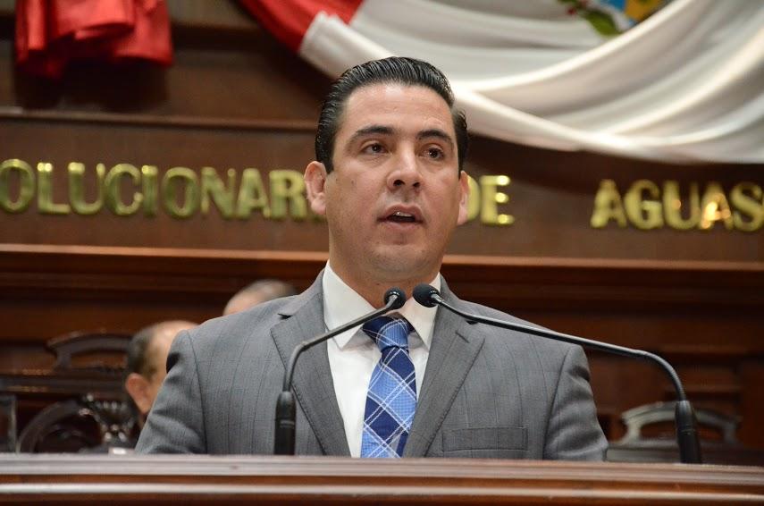 Pide @GusBaez6 la renuncia inmediata del Fiscal Mendívil