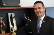 Palomean en Gobierno terna para Fiscal, Urrutia es el elegido