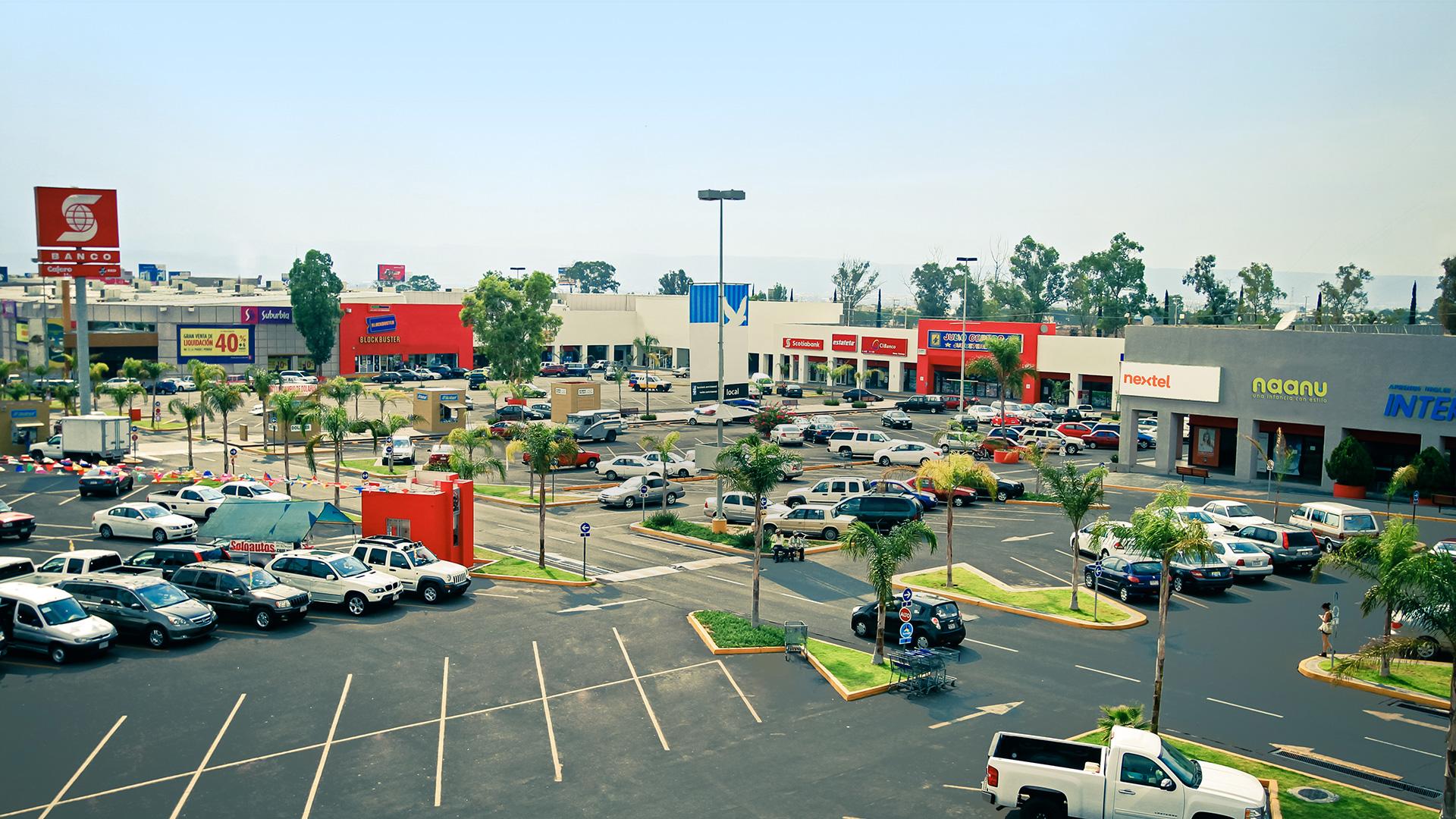 Buscan dueños de estacionamientos incremento por periodo ferial
