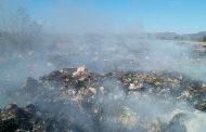 Tiradero de basura a cielo abierto en los límites de Cosío y Zacatecas