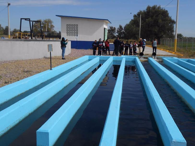 Usarán agua tratada en Pabellón para parques y agricultura