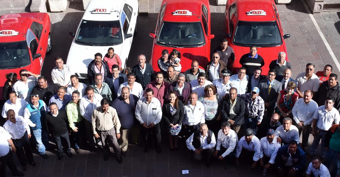 Lanza municipio el programa «Taxi Vigilante»