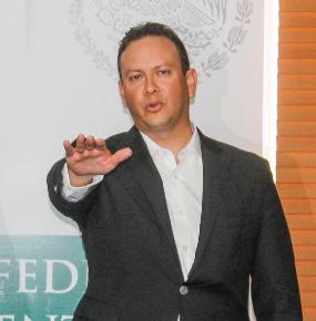 Carlos Lozano no mandará en SAGARPA: Bruni