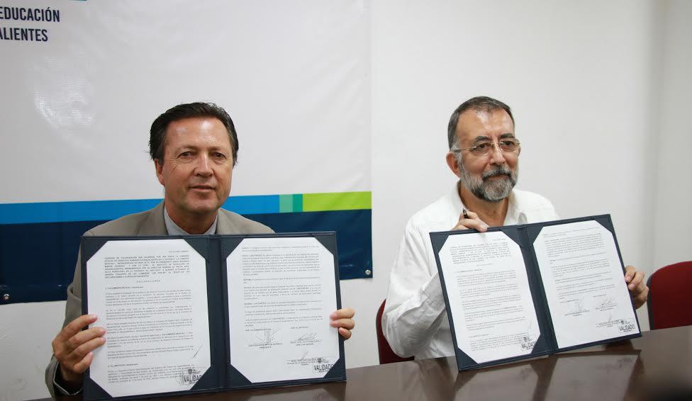 Entrega IEA a DH información de novatadas en Cañada Honda