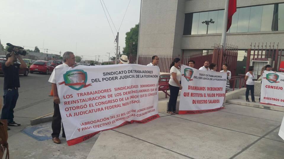 Manifestación de trabajadores en el Poder Judicial