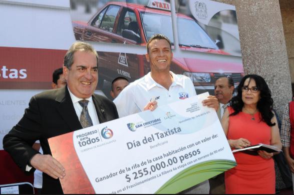 Logran revocar 270 concesiones de taxis entregadas por Lozano