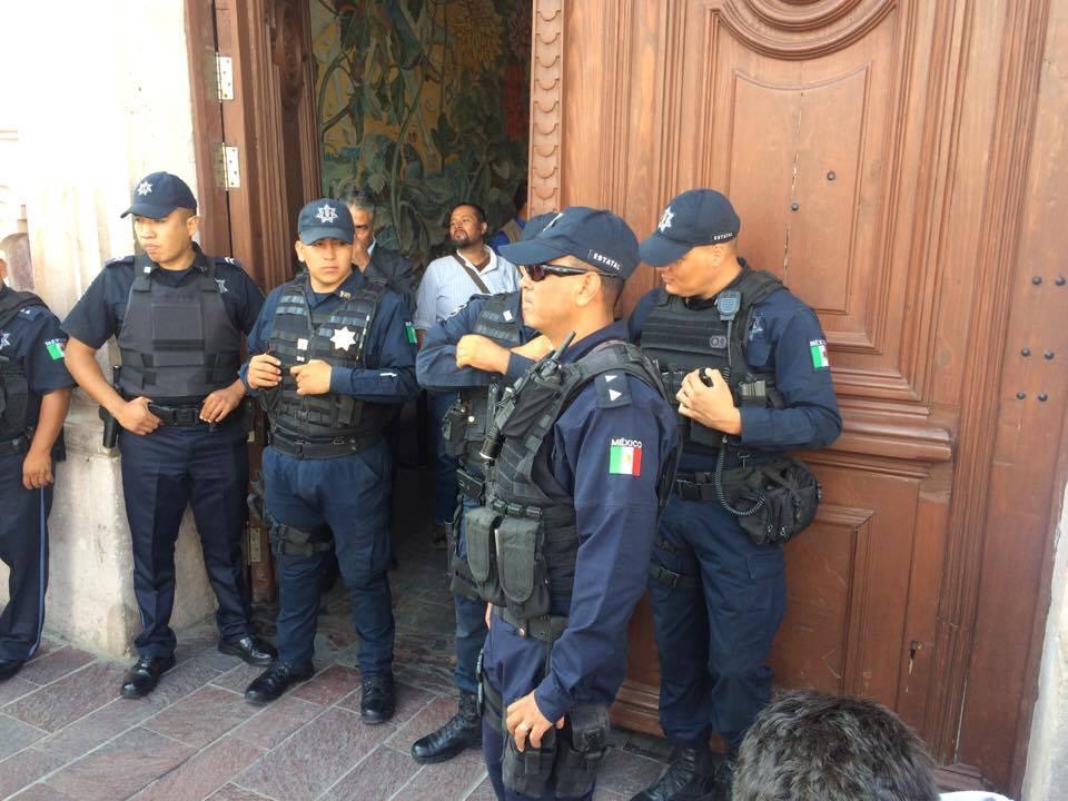 Piden liberar a policías encarcelados por la administración de Lozano