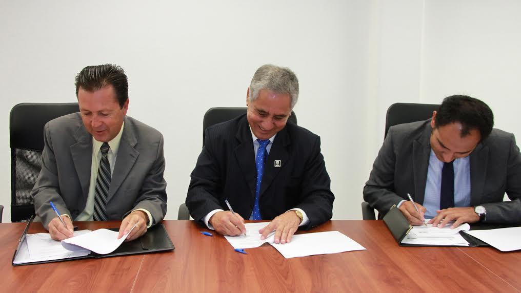 Signa convenio IEA con ICTEA