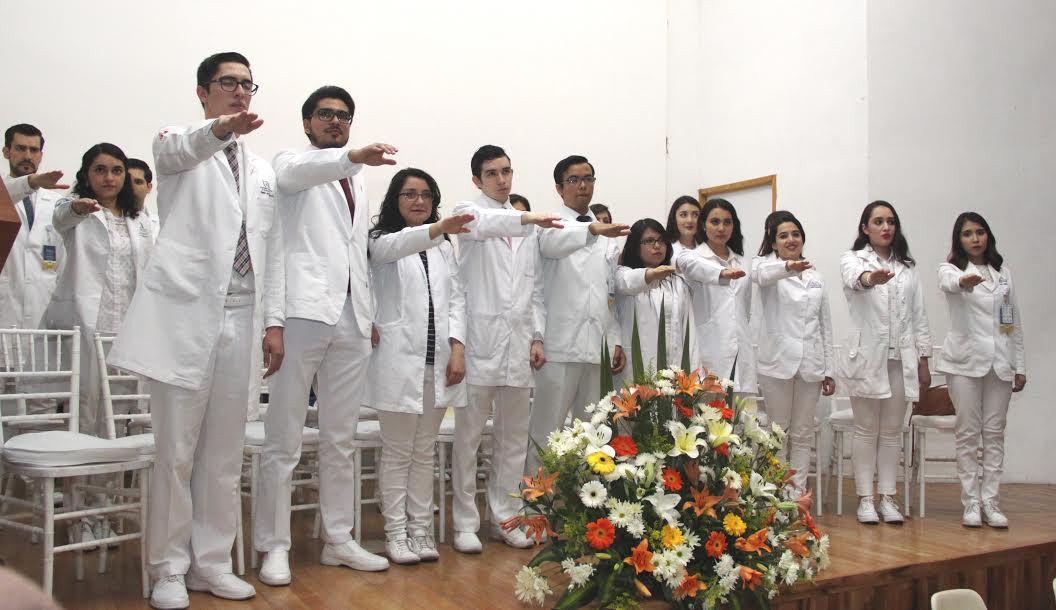 Egresan medicos de pregrado del Hospital Hidalgo