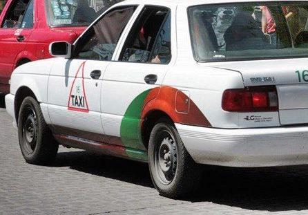 Taxistas abusan por el desabasto de gasolinas