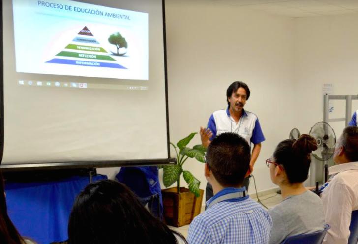 Imparte alcaldía capacitación ambiental en Universidades