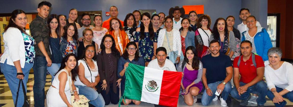 Capacita IEA a maestros de inglés en Tucson