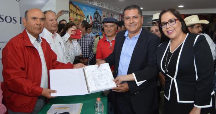 Carga el PRI una lápida con el tema de la corrupción: Juárez