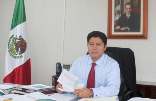 Renuncia Juárez Frías